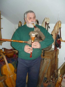 bagpipe-from-levca-05