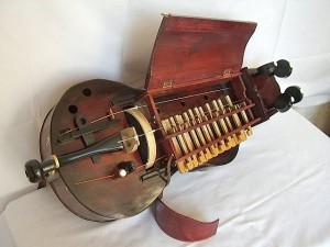 hungarian-hurdy-gurdy-03